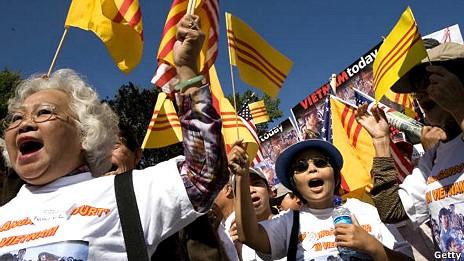 Cộng sản, cộng đồng: yêu và ghét - BBC Vietnamese - Diễn đàn