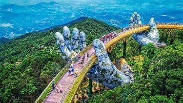 Image result for Cầu Vàng - Khu du lịch Bana Hills