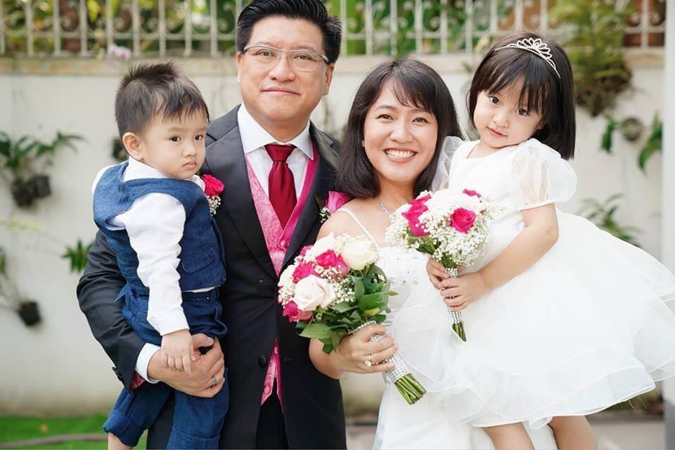 Image result for Vũ Xuân Sơn - trang và 2 con